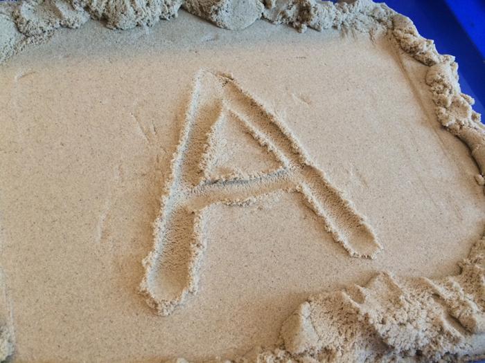 scrivere-con-la-sabbia-kinetic